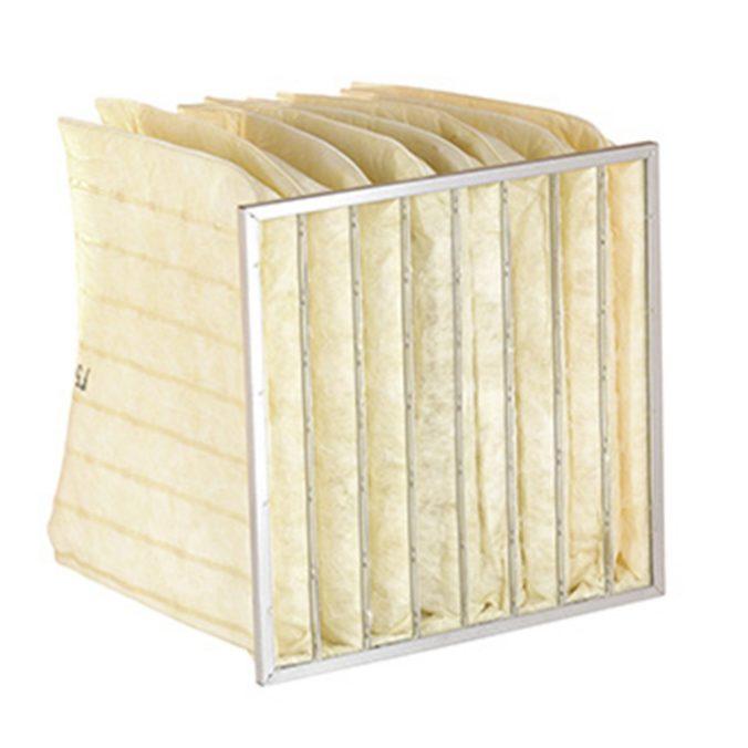 Filtros de bolsa de gran superficie filtrante. Las bolsas están realizadas en media sintética.